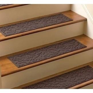 Peldaños de alfombra de escalera