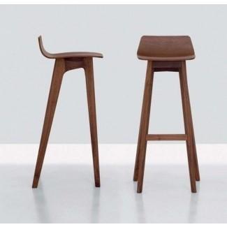 Taburetes de bar de madera modernos con diseño elegante