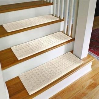 Peldaños de alfombra para escaleras de madera