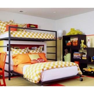 Litera con cama de tamaño completo en la parte inferior