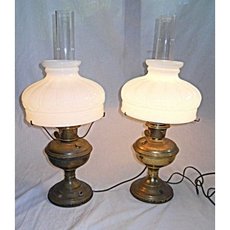 Lámparas Aladdin par de latón vintage óleo eléctrico original vidrio blanco