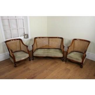 Suite de tres piezas de caña bergere serpentina de nogal de calidad alrededor de 1920