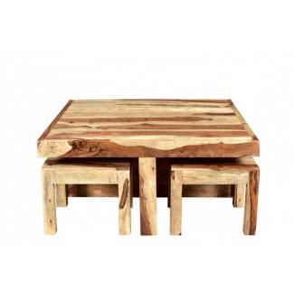 Mesa de centro rústica de madera de pino con taburetes nidos