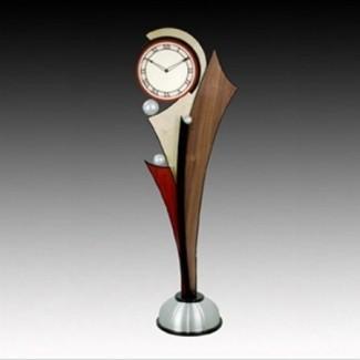 Reloj moderno de pie