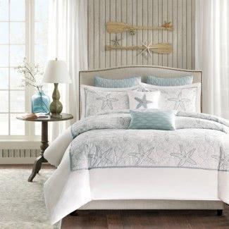 Dormitorio con temática de playa