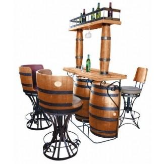 Bar y sillas de barril