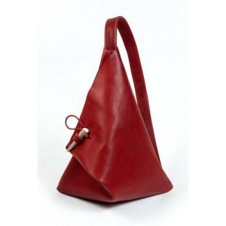 Bolso de calle triangular de cuero rojo